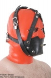 Rubber muzzle with chinstrap and inflatable butterflygag